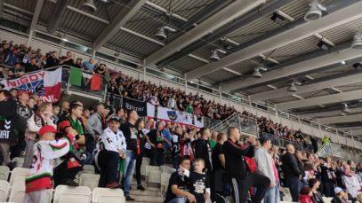 [HOKEJOWE TYCHY] Przemarsz i doping 1000 kibiców GKS Tychy podczas meczu CHL w Wiedniu!
