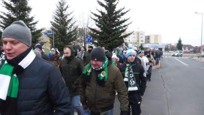 Manifestacja kibiców GKS Bełchatów pod siedzibę PGE GiEK