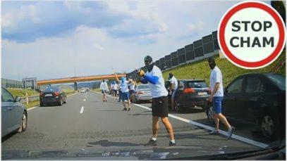 Ustawka kibiców na A4 – moment blokady drogi #487 Wasze Filmy