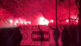 Legia Warszawa – Warta Poznań 13.03.2021. Żyleta – doping pod Torwarem. Racowisko.